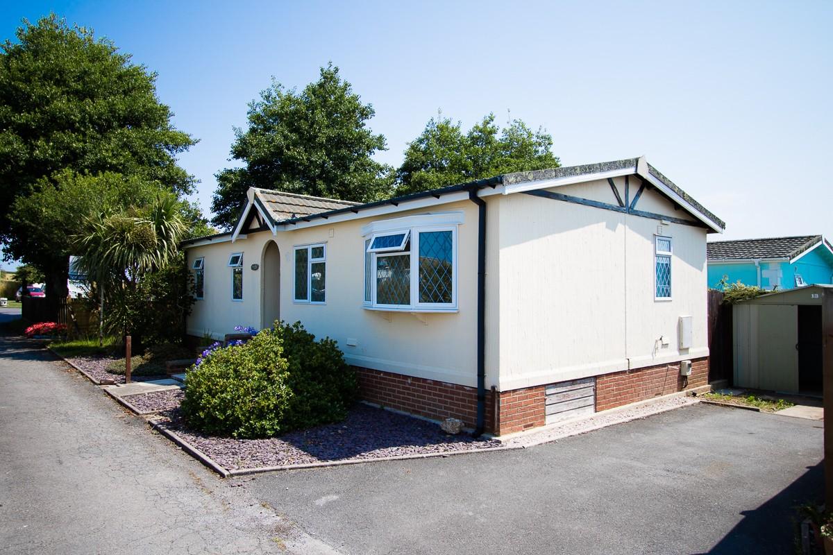 Park home for sale in Deer Park Homes Village in Dartmouth Devon